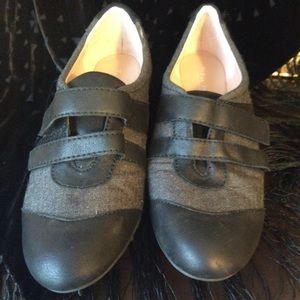 Taryn Rose shoe. Size 9.5